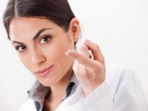 výber kontaktných šošoviek podľa okuliarov