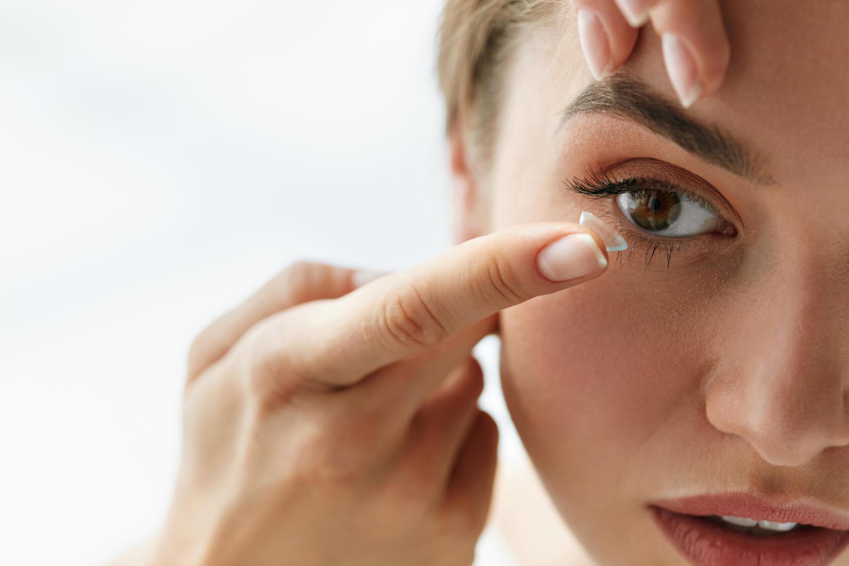 syndróm suchého oka - kontaktné šošovky